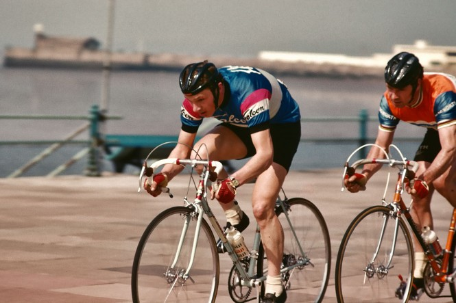 Lower back pain treatment in Warwick for cycling sports injury
